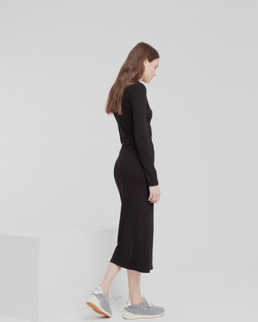 Black Lin Neck  Drees