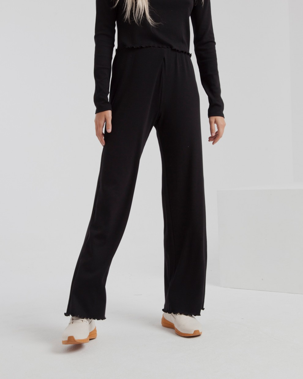 Pantalón Rib Black Wide