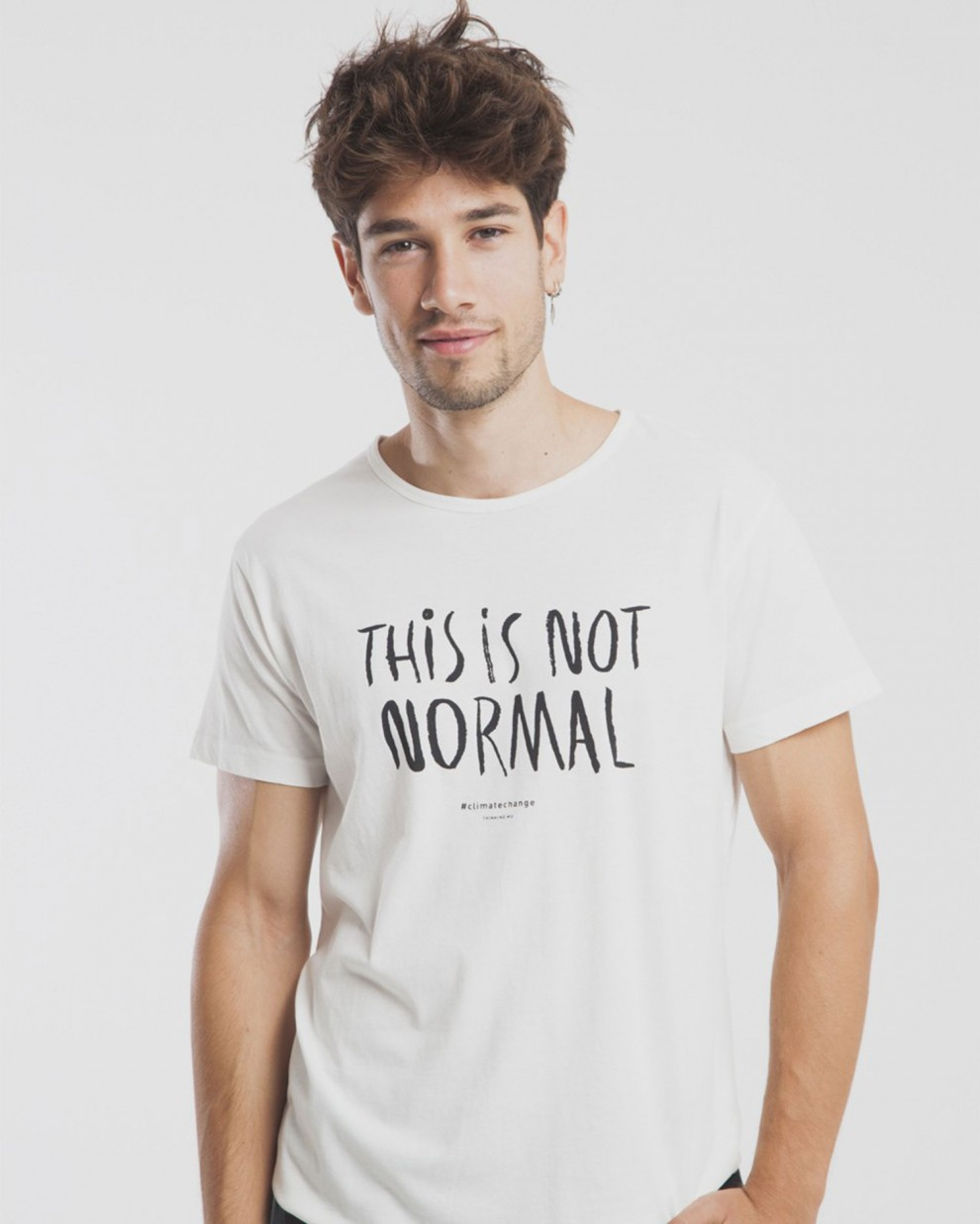 Camiseta This is not normal