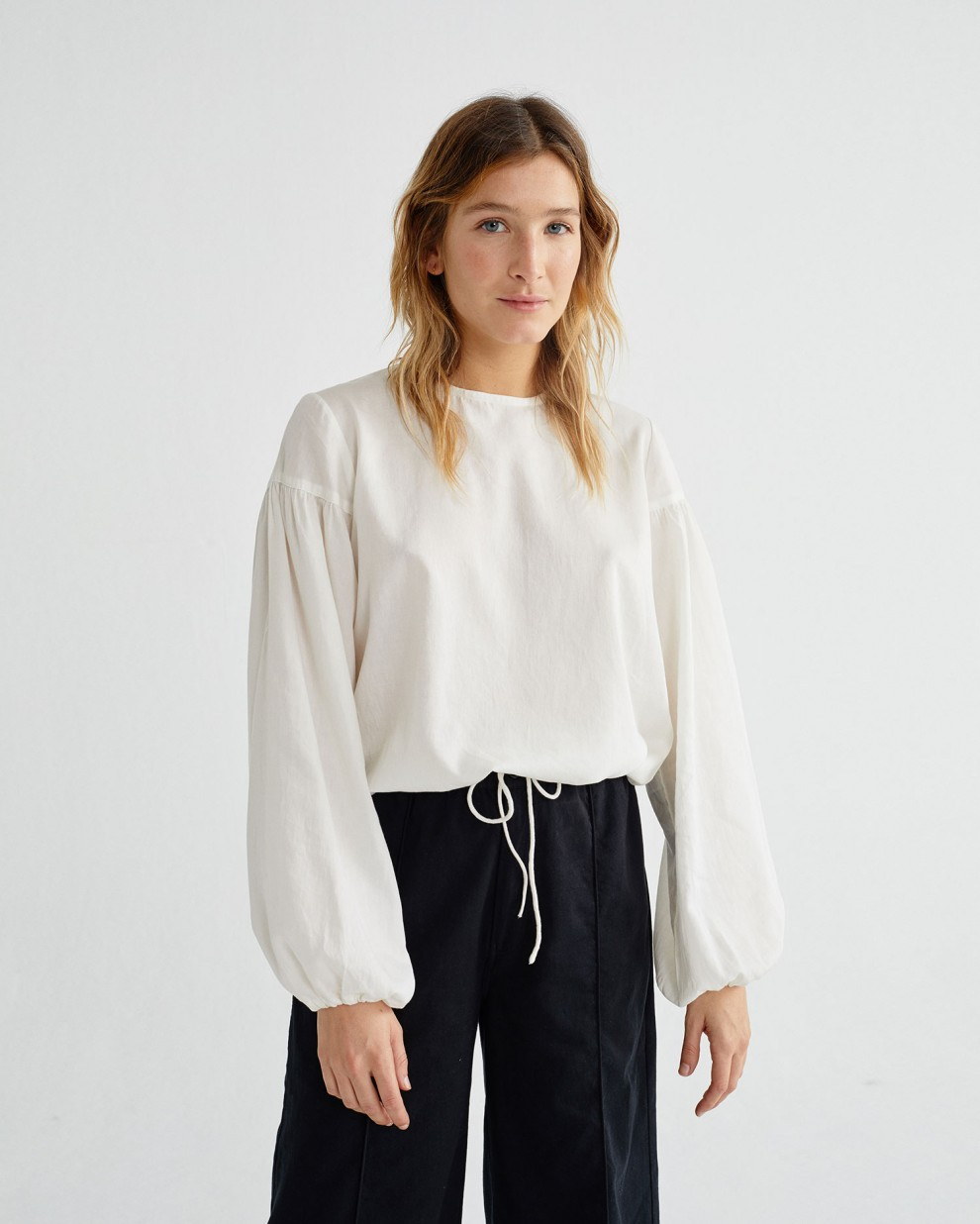 WHITE BOANN BLOUSE