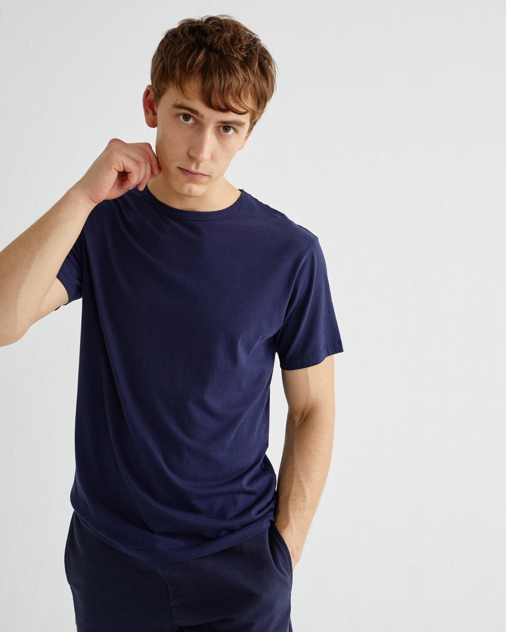 BASIC NAVY MAN T-SHIRT