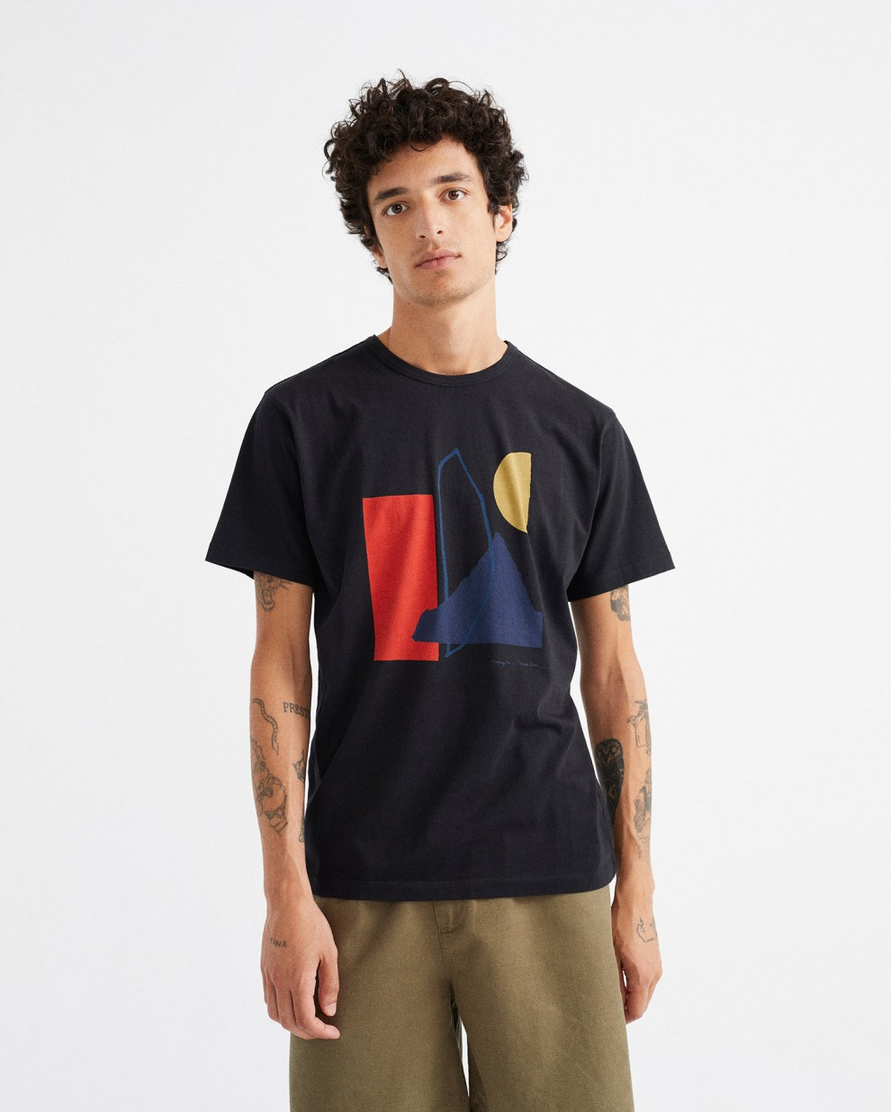 ABSTRACT BLACK T-SHIRT