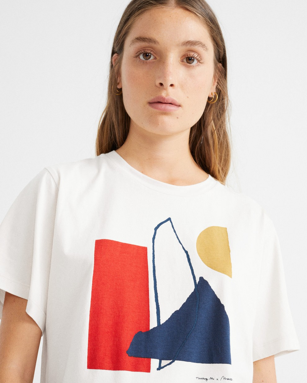 Abstract white t-shirt
